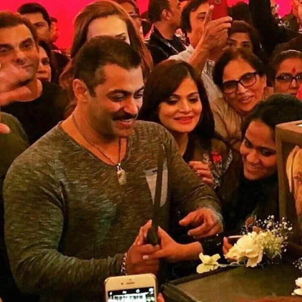 Birthday Party Pictures Of Salman Khan004