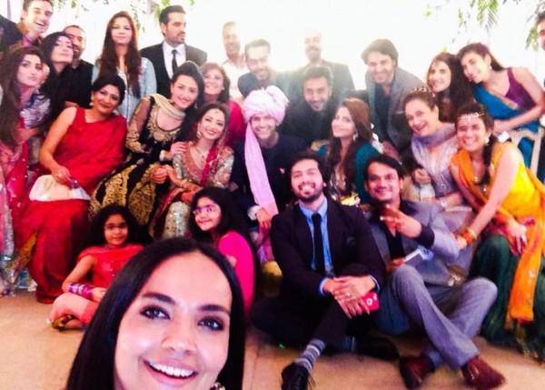 Casual Clicks of Pakistani Celebrities- selfie