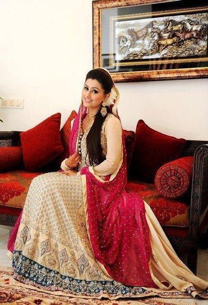 Engagement Dresses Trends