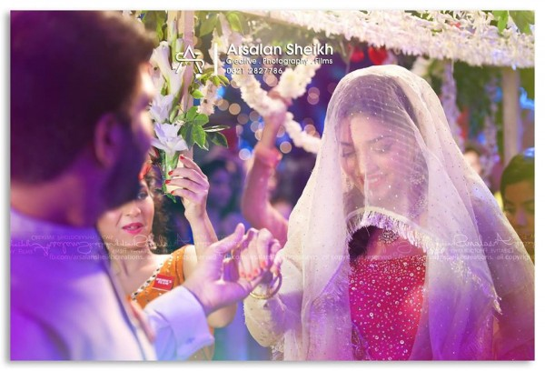 Exclusive pictures from Sanam Jung's Mehndi+Nikkah Ceremony (3)