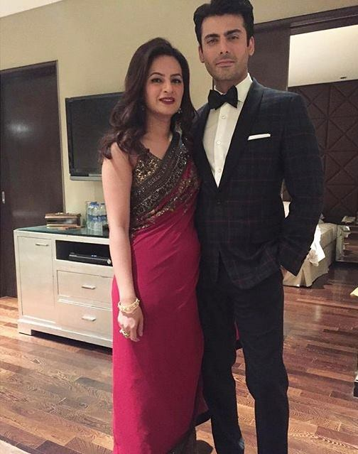 Fawad Khan with his wife at Filmfare Awards 2016 (2)