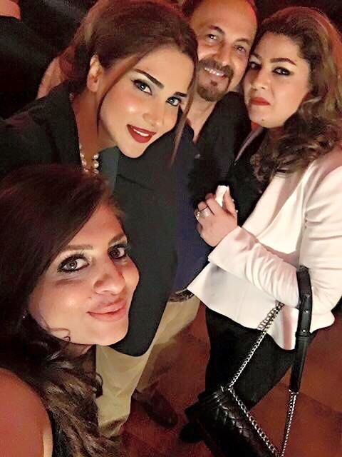 Fizza Ali is having fun with Friends (3)