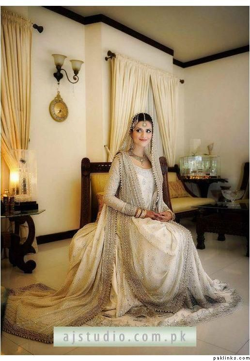 Wedding Dresses In Red And White 46 Epic Pakistabi Bride in White