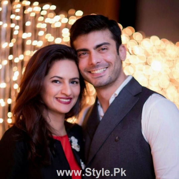 Pakistani Actors with their wives (3)