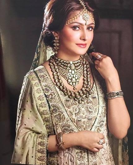 Pakistani Celebrities endorsing Afzal Jewelers (11)