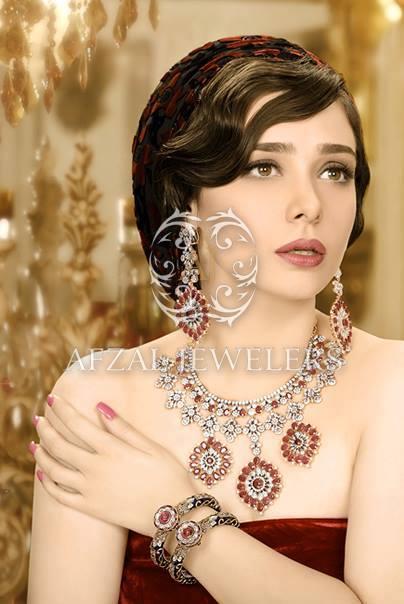 Pakistani Celebrities endorsing Afzal Jewelers (15)
