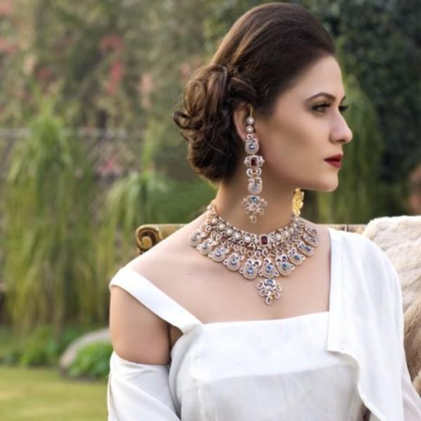 Pakistani Celebrities endorsing Afzal Jewelers (21)