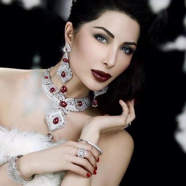 Pakistani Celebrities endorsing Afzal Jewelers (7)