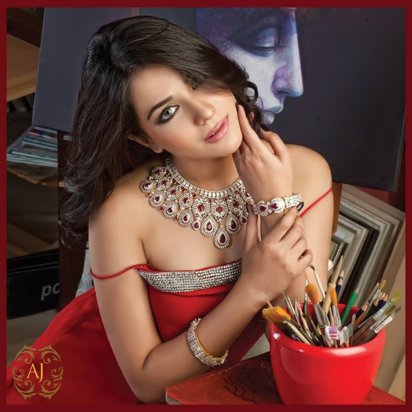 Pakistani Celebrities endorsing Afzal Jewelers (8)