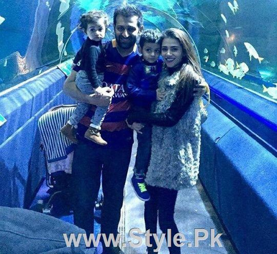 See Pictures of Actress Tooba Siddiqui with family in UK