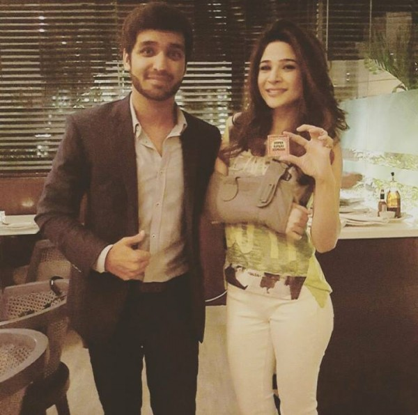 Pictures of Ayesha Omar after her terrible accident (4)