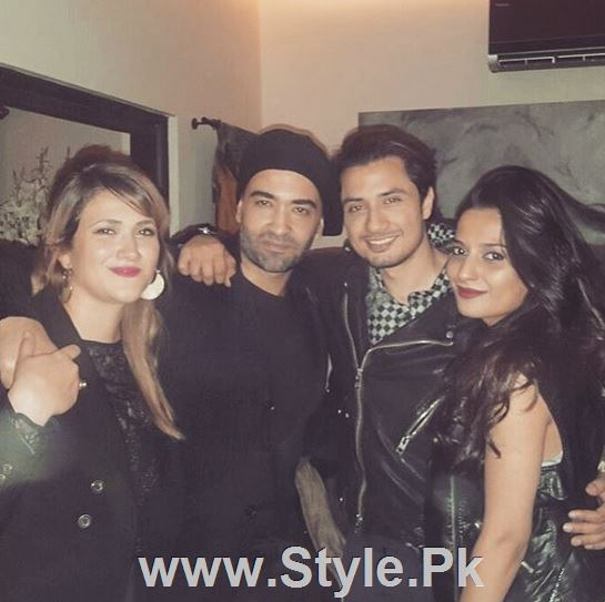 Pictures of Pakistani Celebrities on New year's Eve (12)