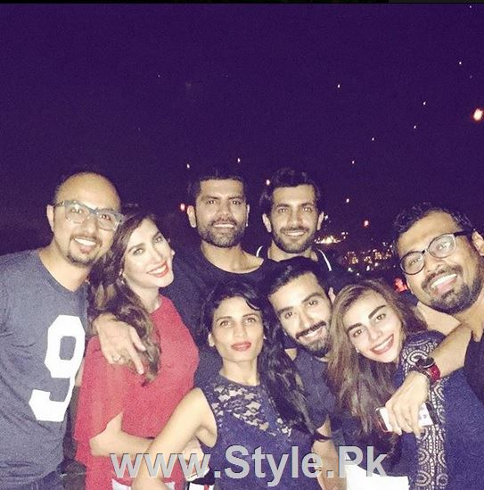 Pictures of Pakistani Celebrities on New year's Eve (16)