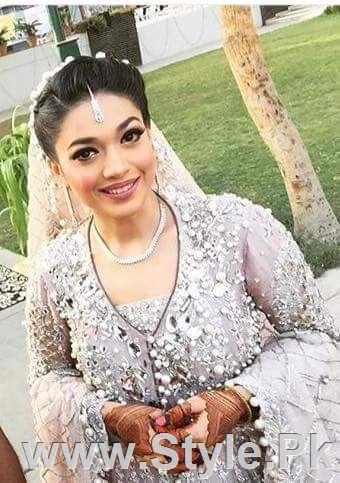 Sanam Jung on her Walima (2)