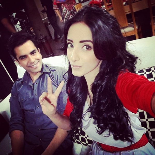 Unseen  Sanam Chaudhry Selfie Photoshoot- victory