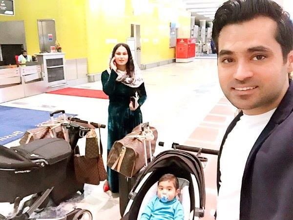Veena Malik is back to Pakistan with her family (2)