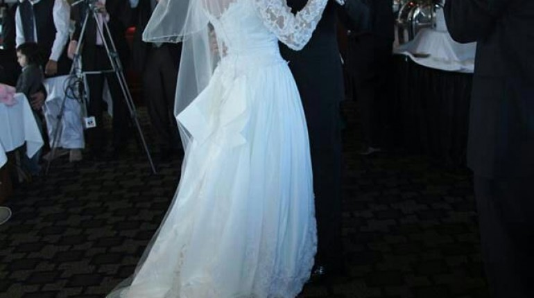 See Veena Malik's White Wedding dress