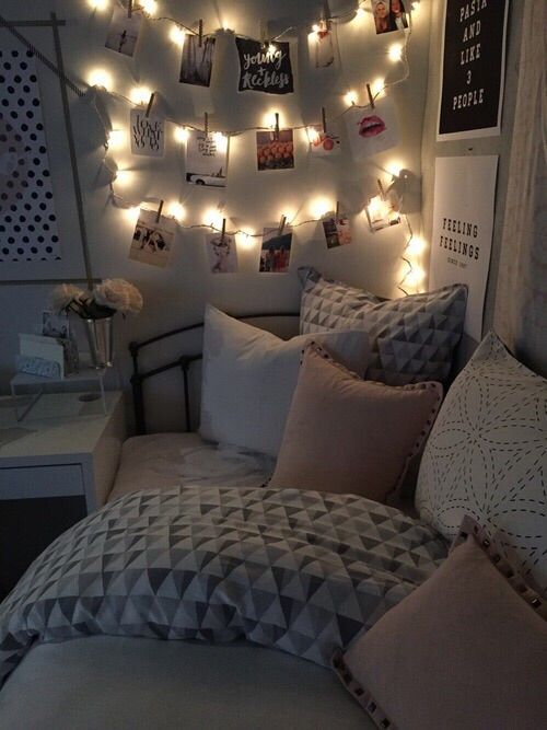 Cozy Bedrooms For Winters. lights