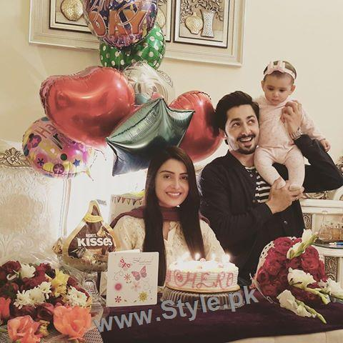 Danish Taimoor Celebrating birthday with family (4)