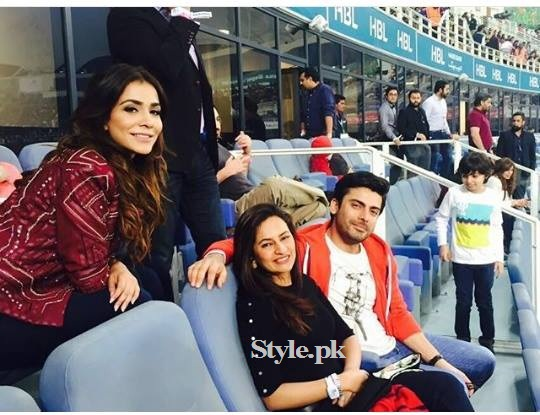 Fawad Khan with Family at PSL Opening Ceremony in Dubai (4)