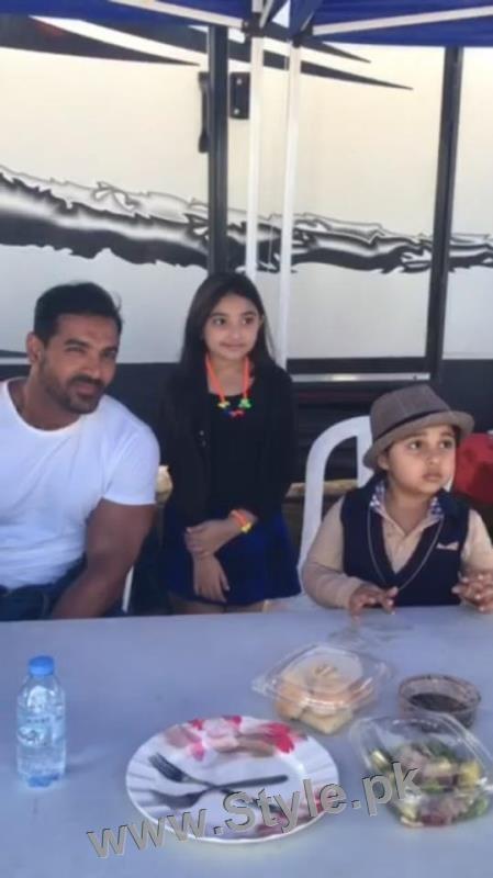 Javeria Saud's kids with Varun Dhawan and John Ibrahim (10)