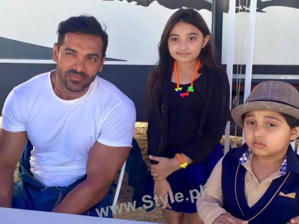 Javeria Saud's kids with Varun Dhawan and John Ibrahim (11)