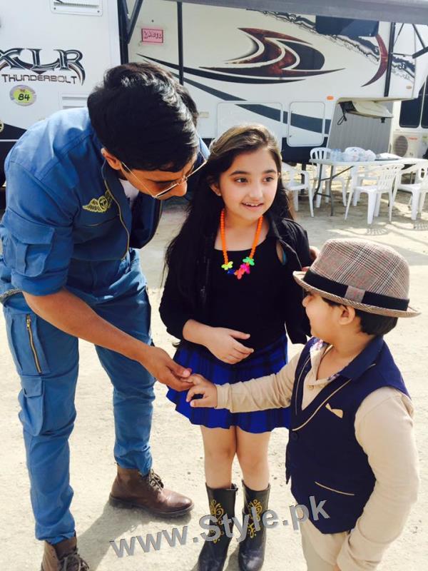 Javeria Saud's kids with Varun Dhawan and John Ibrahim (4)