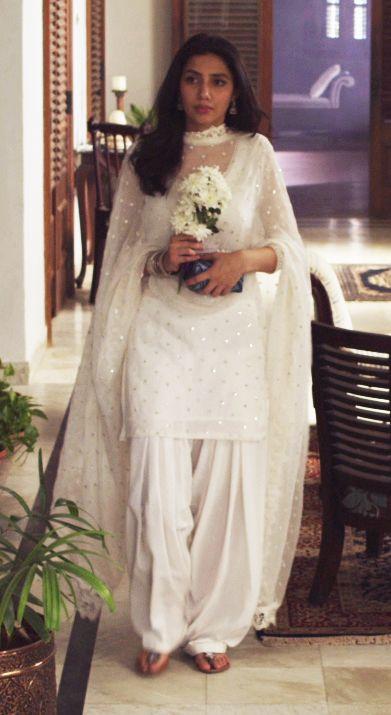 Maira Khan in Shalwar Kameez. white mair