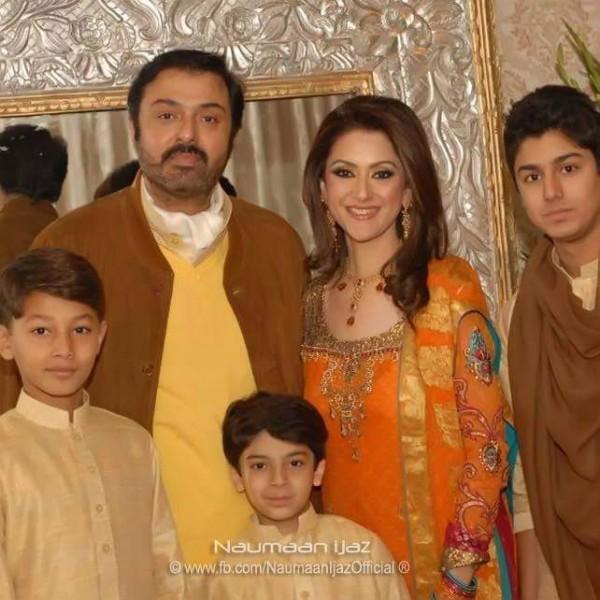 Noman Ijaz family photo