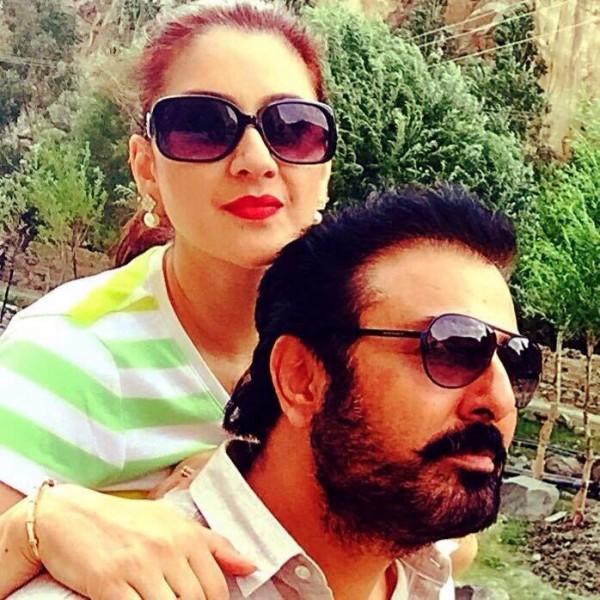Noman Ijaz with wife