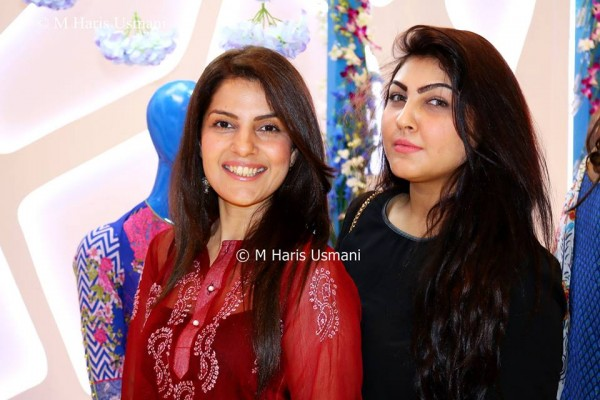 Pakistani Celebrities at the Launch of Gul Ahmed (10)