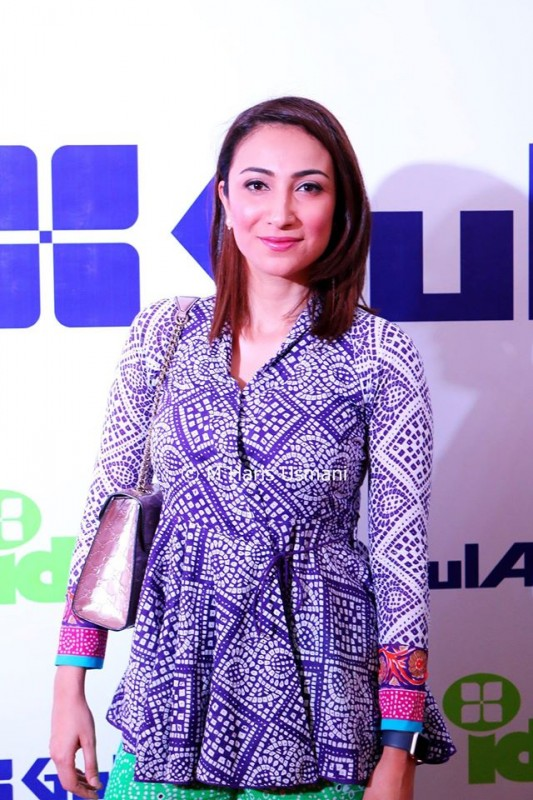 Pakistani Celebrities at the Launch of Gul Ahmed (14)