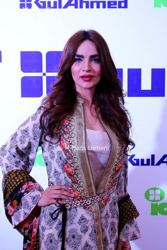 Pakistani Celebrities at the Launch of Gul Ahmed (6)