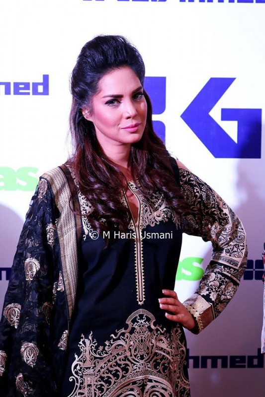 Pakistani Celebrities at the Launch of Gul Ahmed (8)