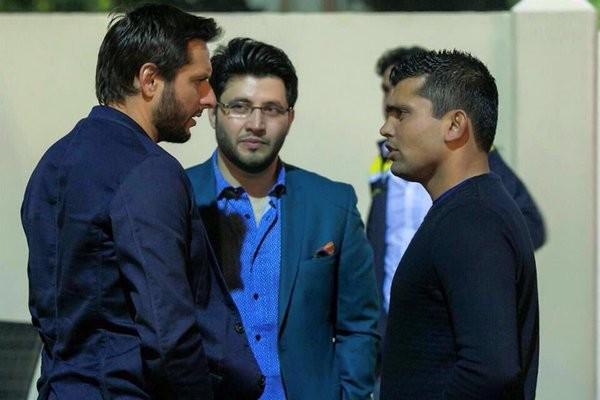 Peshawar Zalmi at the Afridi place for Delightful Dinner. 34