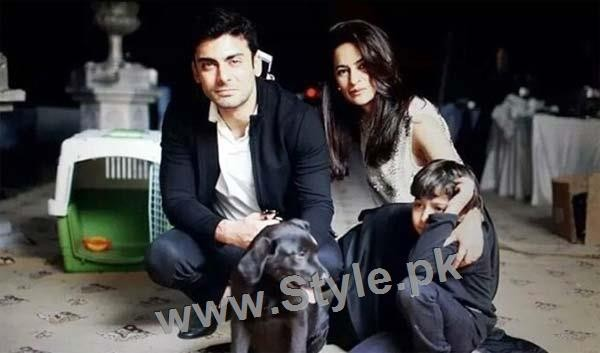 Pictures of Pakistani Celebrities with their pets (3)