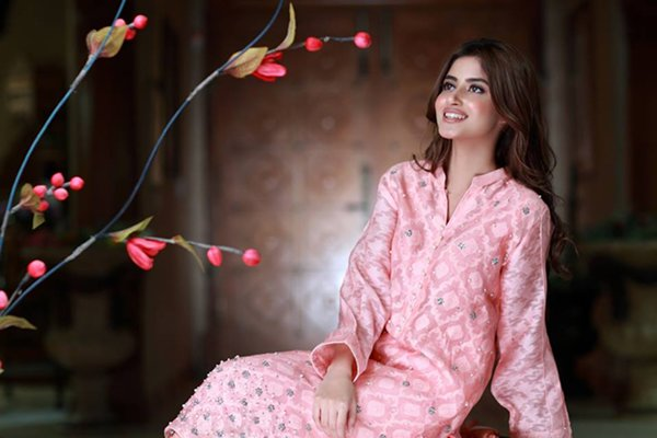 Sajal Ali Photoshoot For Agha Noor002