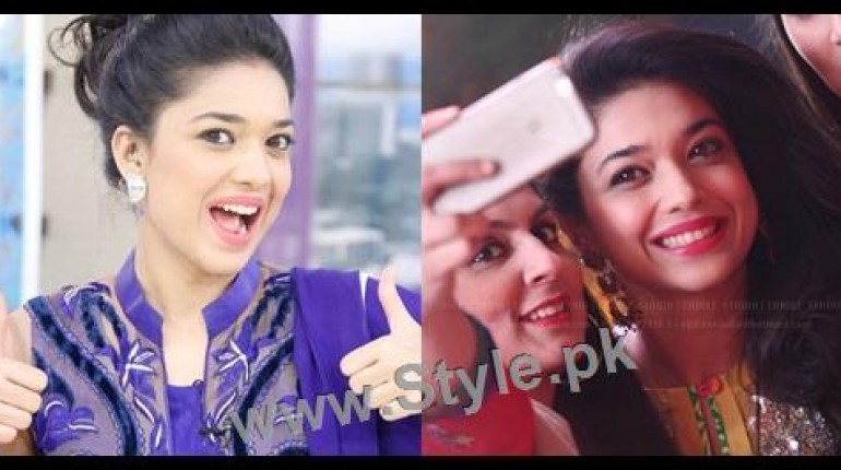 See Top 10 Pictures in which Sanam jung is smiling high