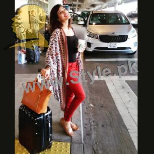 See Trendy pictures of Pakistani Celebrities at Airport