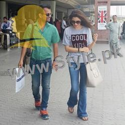 Trendy pictures of Pakistani Celebrities at Airport (2)