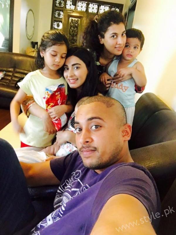 Eshal Fayyaz With Family