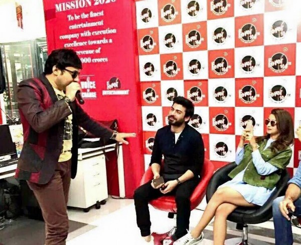 Fawad Khan, Alia Butt and Sidharth Malhotra having fun during promotion of Kapoor and Sons (6)