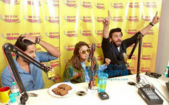 Fawad Khan, Alia Butt and Sidharth Malhotra having fun during promotion of Kapoor and Sons (7)
