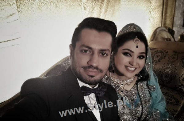 Pictures of Uroosa Siddiqui with her husband  (10)