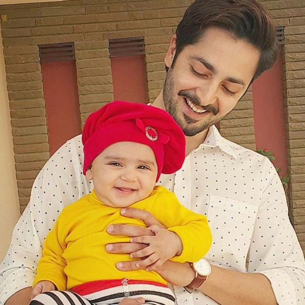 Recent Clicks of Danish Taimoor with his cute daughter (2)