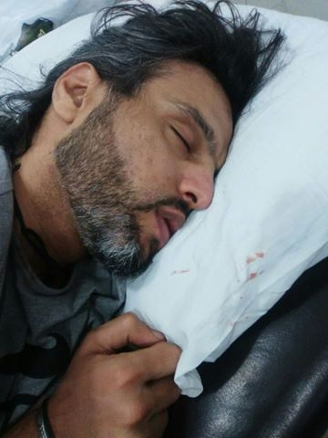 Singer Noman Javaid has tried to commit suicide (2)