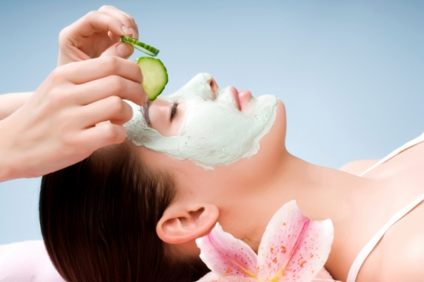 Yogurt-Cucumber-Parsley-Facial-Mask