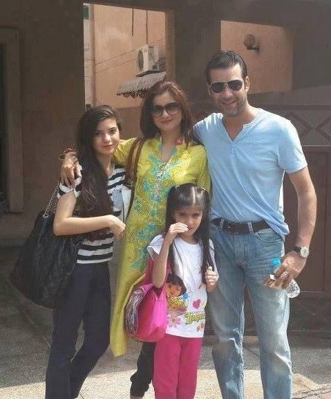 moammar rana family photo