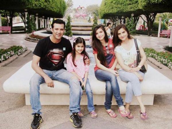 moammar rana family pic