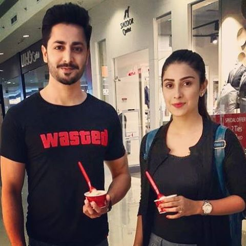 See Ayeza Khan and Danish Taimoor are off to vacations